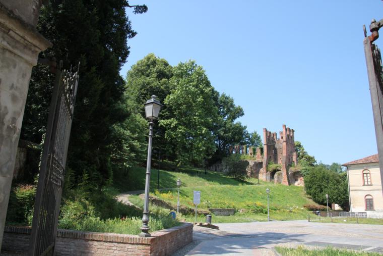 particolare-interno-castello-san-colombano